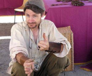 Hugues-mircea Paillet vous encourage avec TresVie à vous découvrir à travers le tressage d'osier.